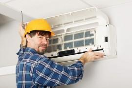 Het werken met koudemiddel is alleen toegestaan door een erkend STEK-installateur.©Stanislav Komogorov - Fotolia