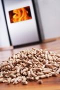 Als u een verwarmingsinstallatie met pelletkachel en pellets gebruikt, bespaart u flink op uw energierekening. ©Arthur Braunstein - Fotolia