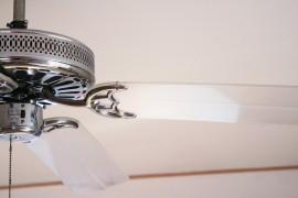 Een ventilator zorgt voor voldoende zuurstof in huis en daardoor een gezond leefklimaat.© Andreas Reisch - Fotolia